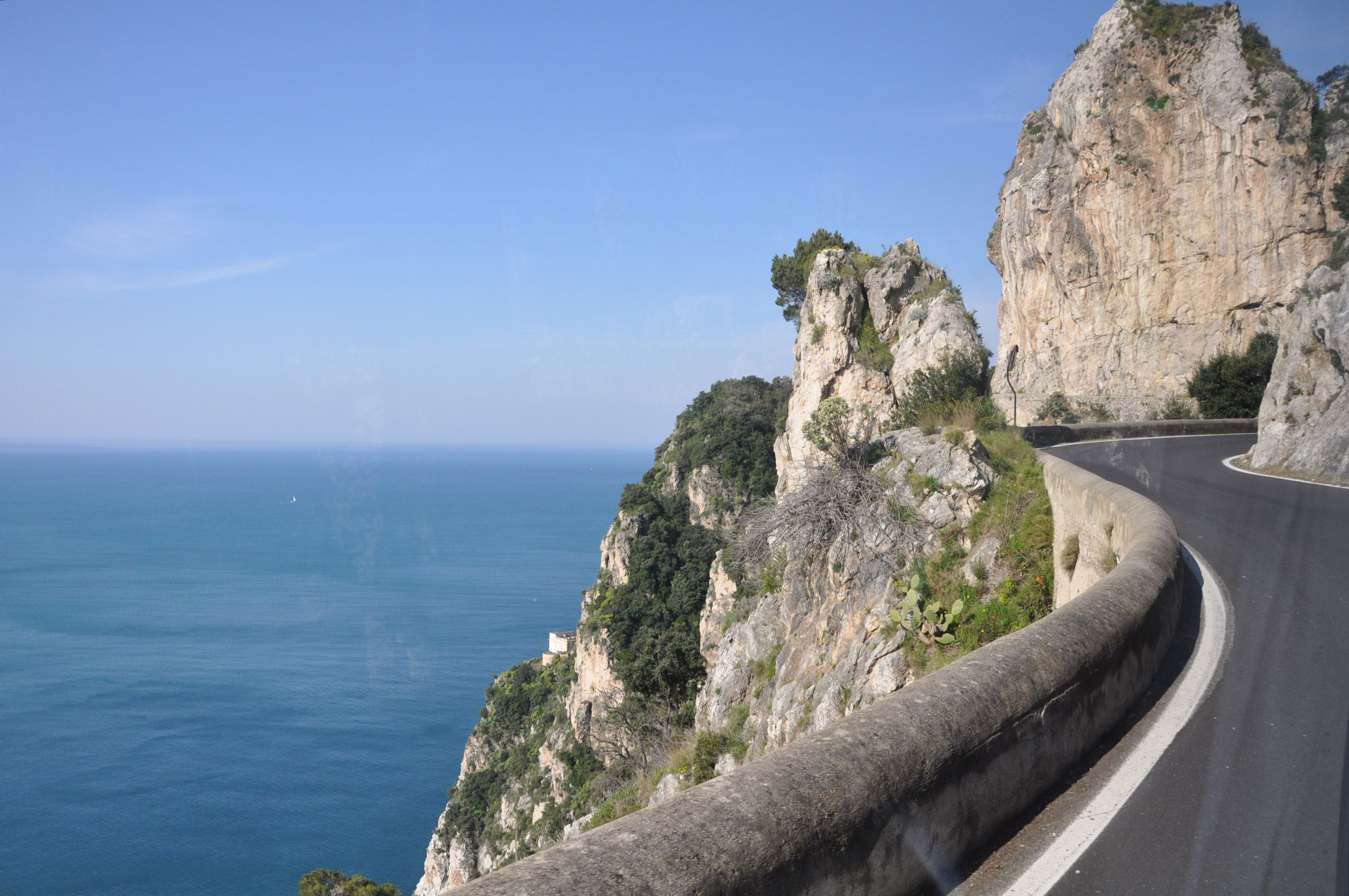 how to get to amalfi from positano