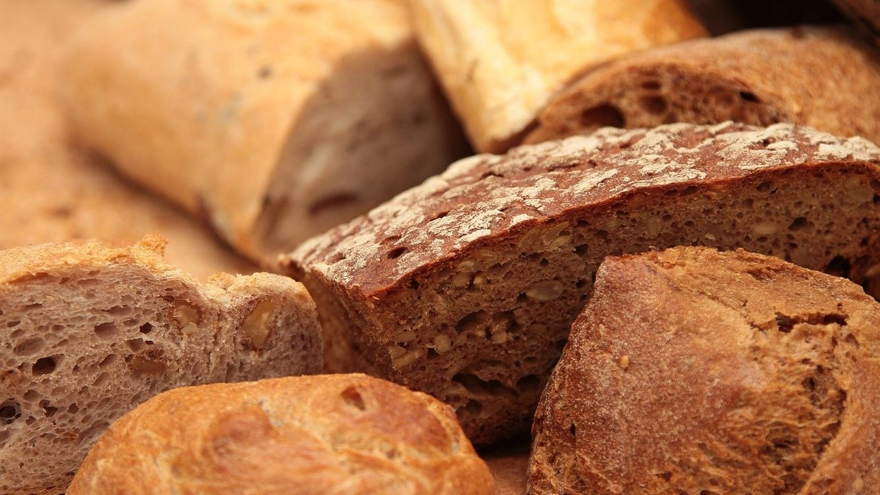"""Even if you don't touch that bread, you might still be charged """"pane e coperto"""""""