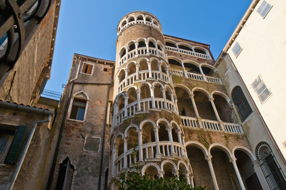 how to read venice 39 s palaces