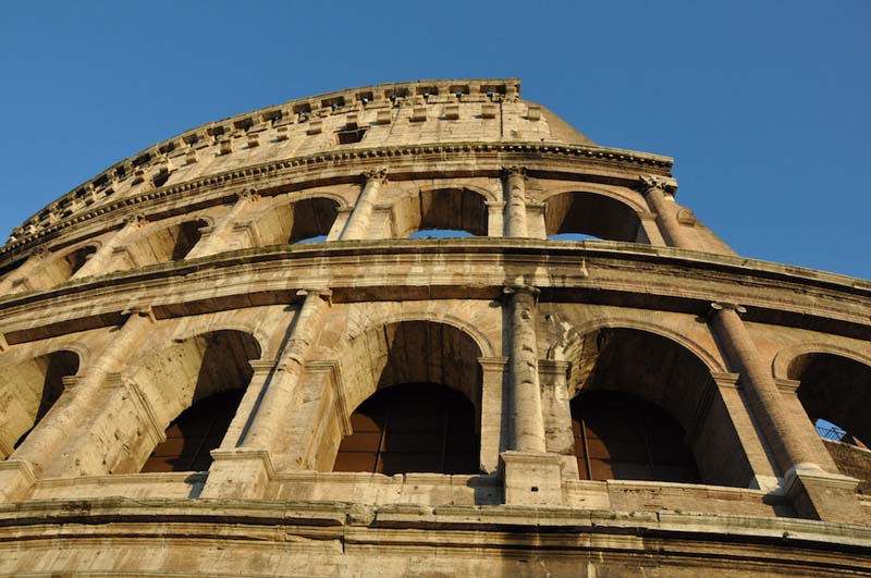 Paintings and graffiti in the Colosseum? Sounds great to us!