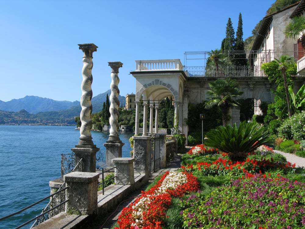 Italy 39 s most beautiful lakes in photos for Beautiful villas images