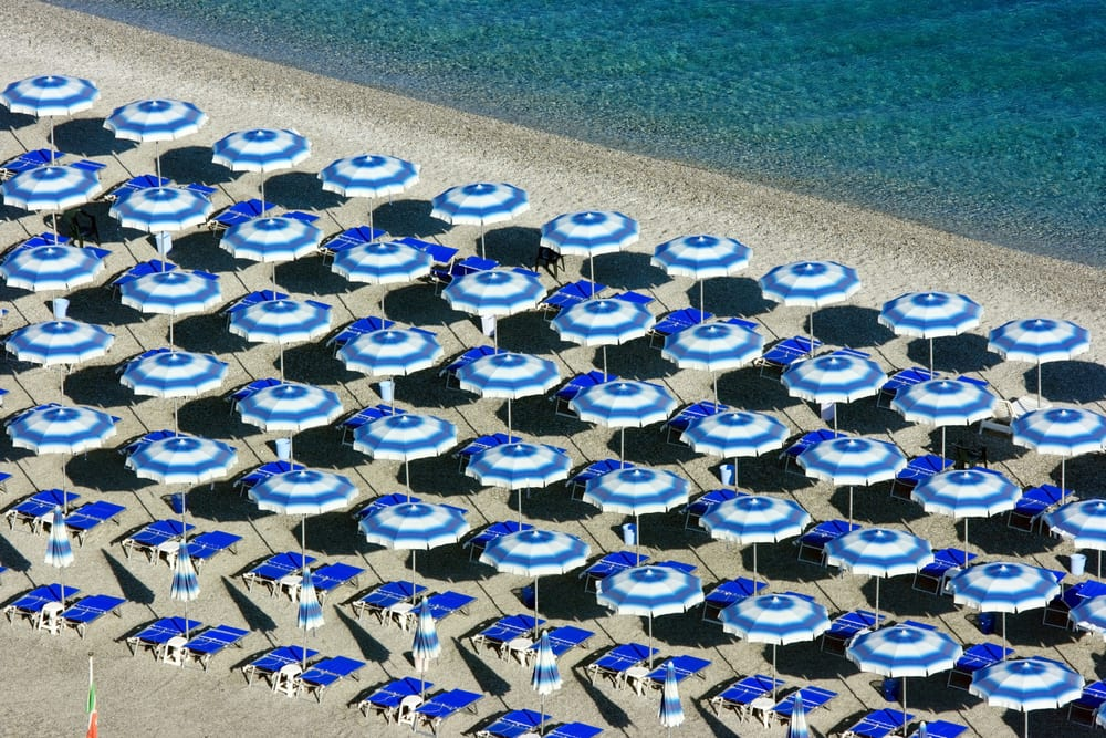 You definitely won't be alone on an Italian beach in August!