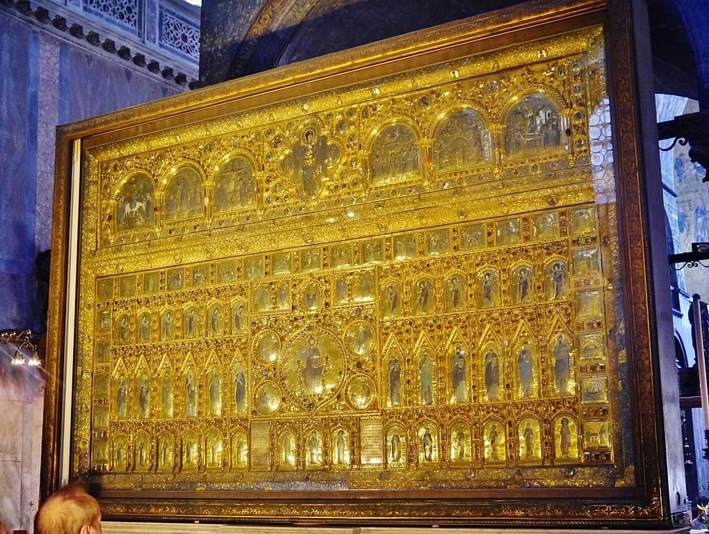The Pala d'Oro, a Byzantine altar screen of gold