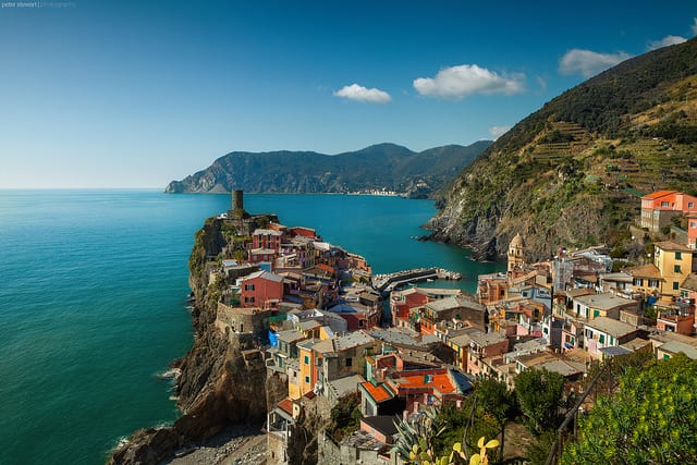 Vernazza, Cinque Terre (flickr: Peter Stewart Photography)