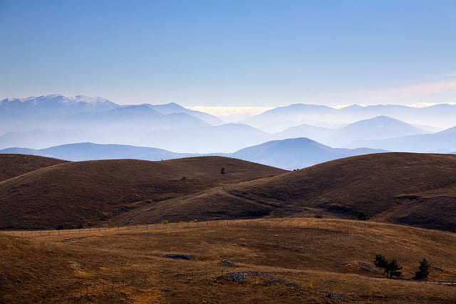 Mountains in the Abruzzo region (flickr: Stefano Maule)