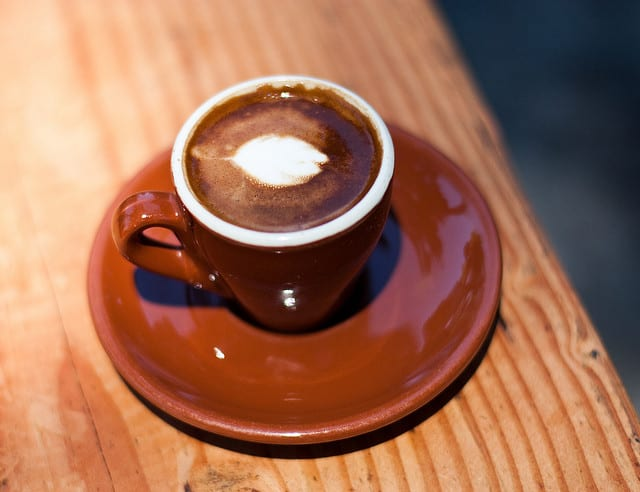 caffè macchiato (flickr: neil conway)