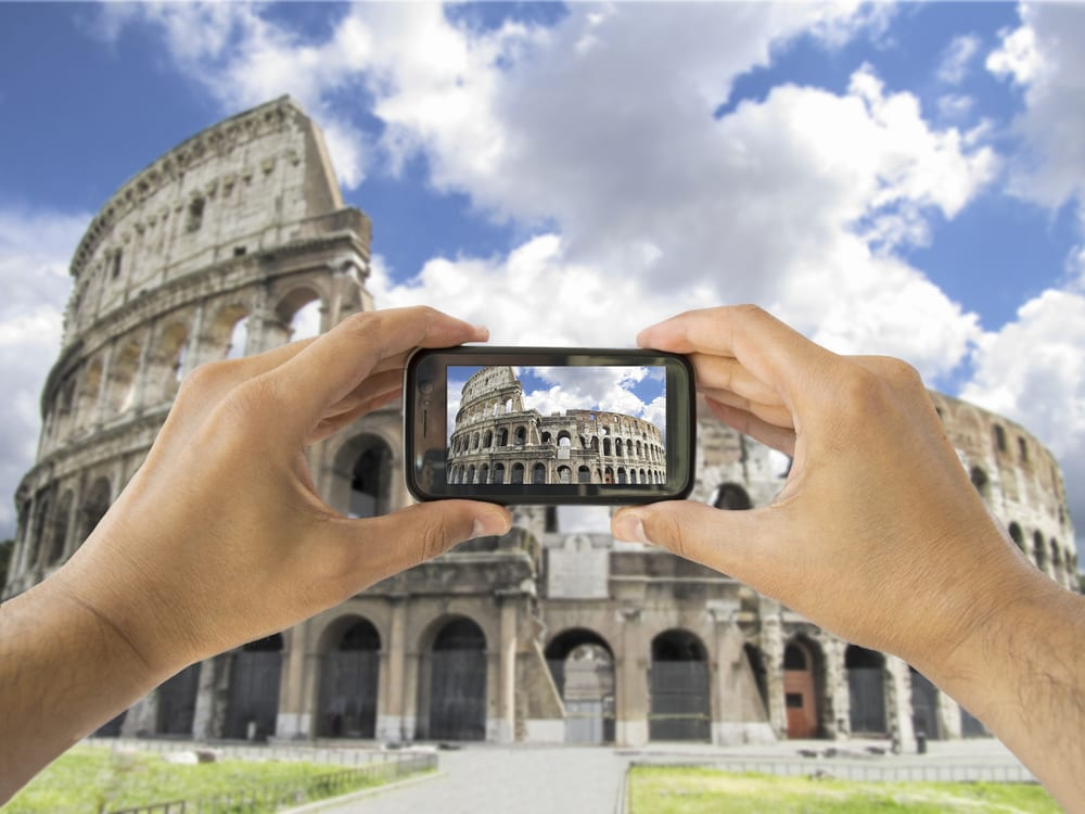 Use your smartphone to its potential while traveling in Italy