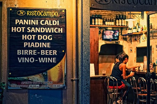 No visit to hip Trastevere is complete without a night out! Photo by Michiel Jelijs