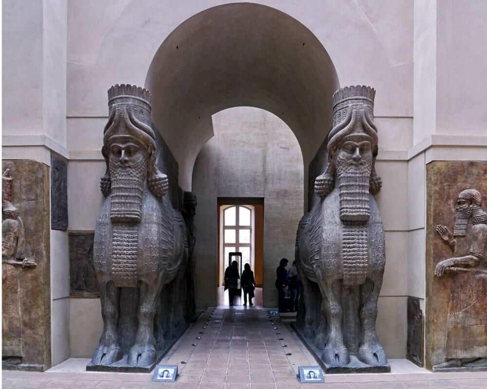 Human headed winged bulls gate - Louvre
