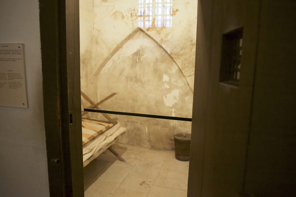 A tiny prison cell that can be visited on Conciergerie tours