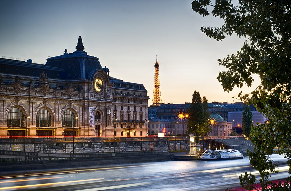 Enjoy spectacular views of the sites like the Musee d'Orsay while sipping champagne.